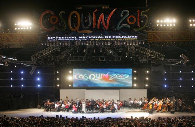 Apertura del Festival de Cosquín 2015 © Paul Amiune