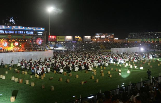 Apertura del Festival Nacional de doma y folklore Jesús María 2015. © Paul Amiune