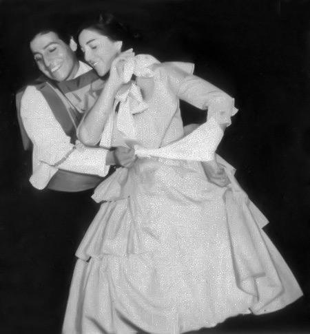 Silvia Urbina bailando con Víctor Jara.