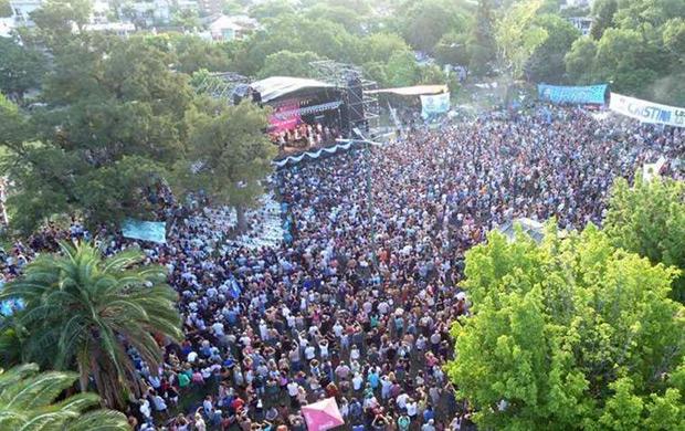 Una multitud tomó ayer un parque del norte de Buenos Aires. © Télam