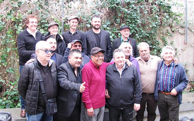 Ramon Muntaner con miembros del APAC. © SGAE