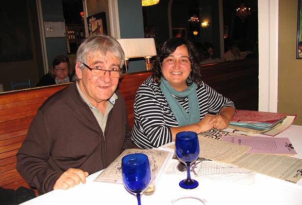 Jessi Pérez y Rafael Moll recordando al Maestro con buen humor en el restaurante Senyor Parellada. © Manel Gausachs