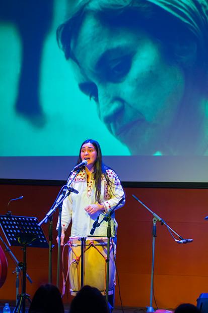Violeta Parra también estuvo presente el concierto de Rosa Sánchez. © Xavier Pintanel