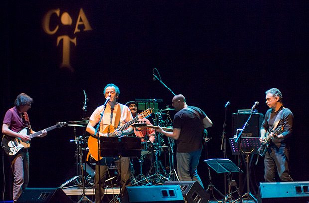 João Afonso con su banda. © Xavier Pintanel