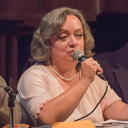 Lucrecia Maldonado en la presentación del libro de Luis García Gil «Joan Isaac. Bandera negra al cor». © Pol Pintanel
