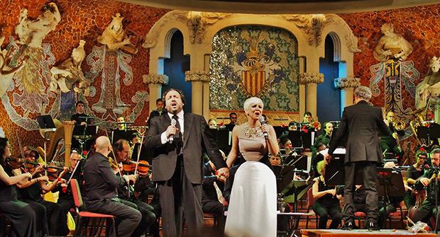 Pasión Vega y José Manuel Zapata en el Palau de la Música de Barcelona. © Carles Gracia Escarp