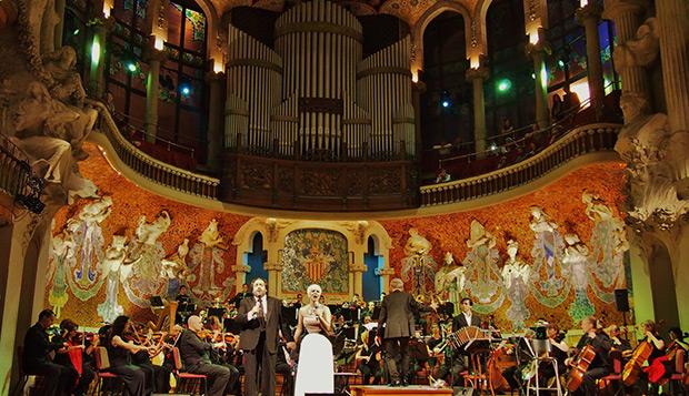 Tangos en el Palau de la Música: Pasión Vega y José Manuel Zapata. © Carles Gracia Escarp