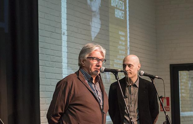 Agustí Humet —hermano de Joan Baptista— y Lluís Marrassé, impulsor del proyecto, en la presentación de prensa de «A Joan Baptista Humet». © Xavier Pintanel