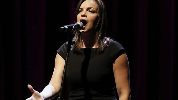Anne Carrere en «Piaf! The Show».