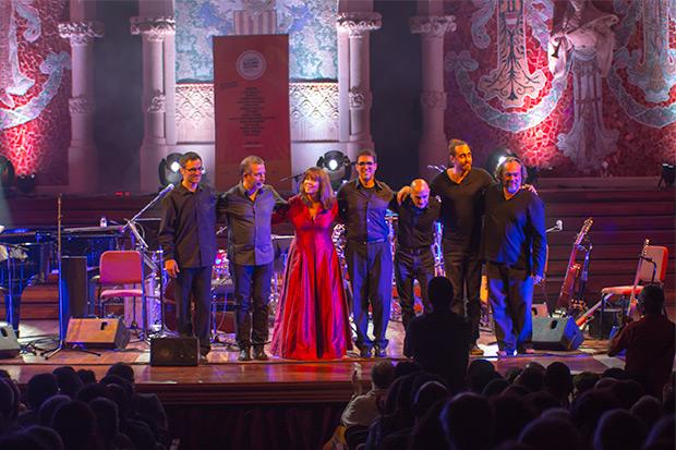 Maria del Mar Bonet con su banda. © Xavier Pintanel