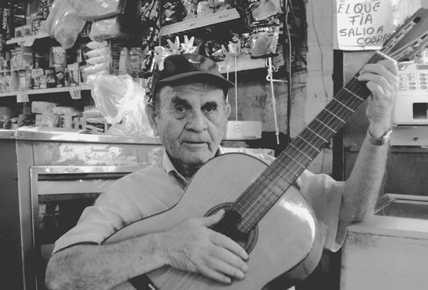 Óscar Parra, «Tony Canarito».