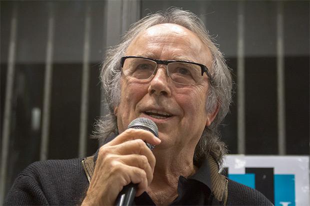 Joan Manuel Serrat cerró el acto fuera de guion. © Xavier Pintanel