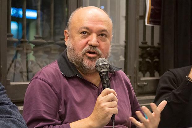 Fermí Puig, documentalista y cronista de la canción catalana, expuso una rigurosa y documentada relación de las versiones que se había grabado en todo el mundo de las canciones de «Mediterráneo». © Xavier Pintanel