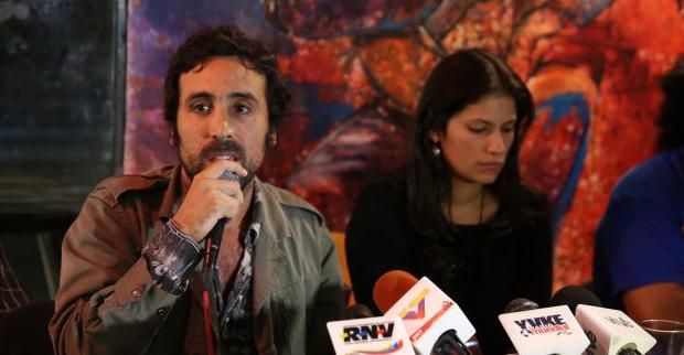 Sandino Primera y Manuela Moreno. © AVN