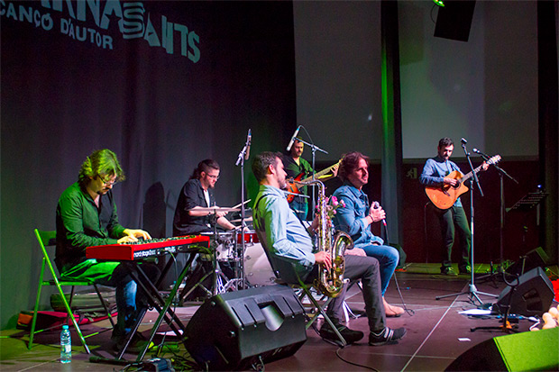 Jorge Tylki con su banda. © Xavier Pintanel
