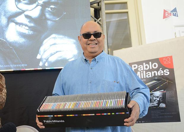 Pablo Milanés sostiene su discografía completa. © EBM