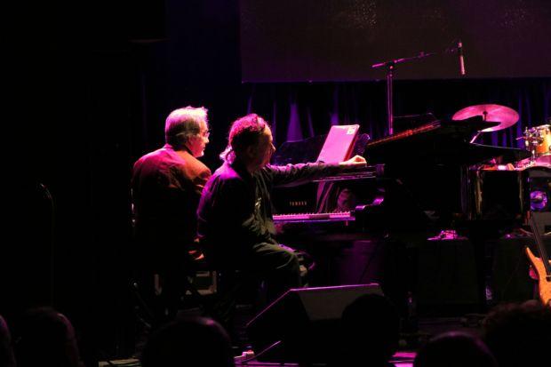 Conrad Setó y Antoni-Olaf Sabater comparten piano en la interpretación de A Margalida. © José Luis Martínez