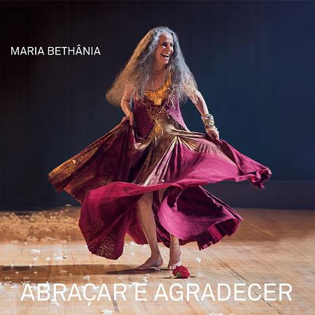 Portada del disco «Abraçar e agradecer» de Maria Bethânia.