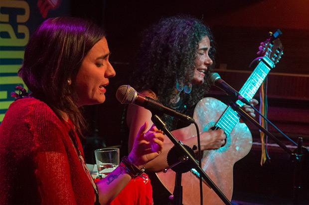 Marta Gómez y Natalia Contesse. © Xavier Pintanel