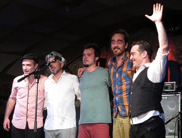 Fin de fiesta en el Jamboree con Raúl Rodríguez. © Isabel Llano