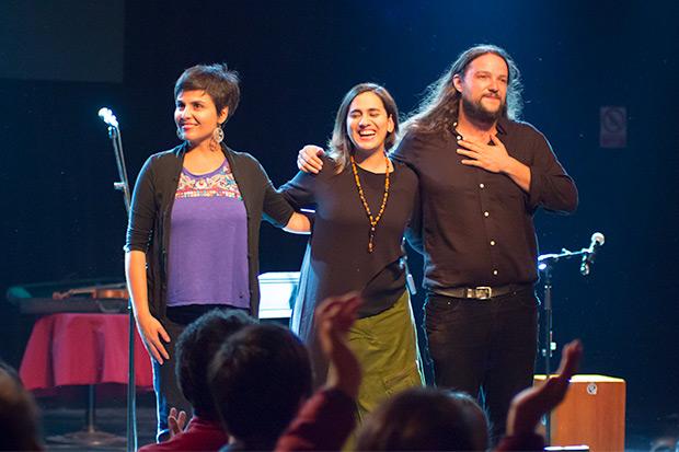 Elizabeth Morris, Marta Gómez y Nano Stern. © Xavier Pintanel