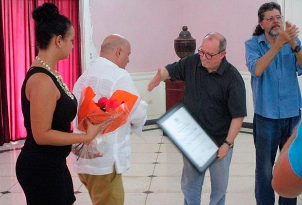 Silvio Rodríguez investido Doctor Honoris Causa por la Universidad de las Artes de La Habana.