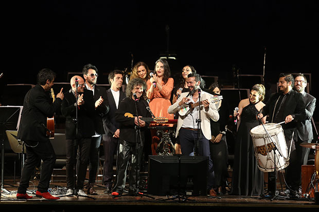 Roberto Márquez, Los Tekis, Javiera Parra, Sandra Mihanovich, Soledad Pastorutti y Camila Moreno, entre otros, en el concierto «Violeta Sinfónico».