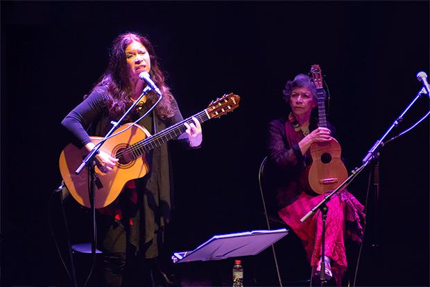 Tita e Isabel Parra. © Xavier Pintanel