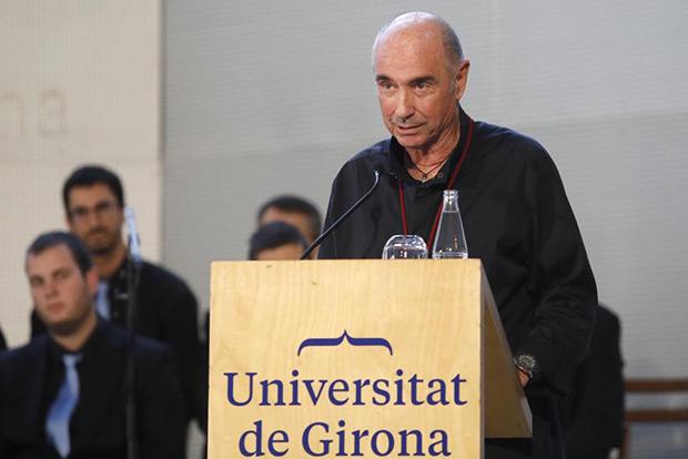 Lluís Llach en su discurso de investidura como doctor «honoris causa» por la Universitat de Girona. © Aniol Resclós