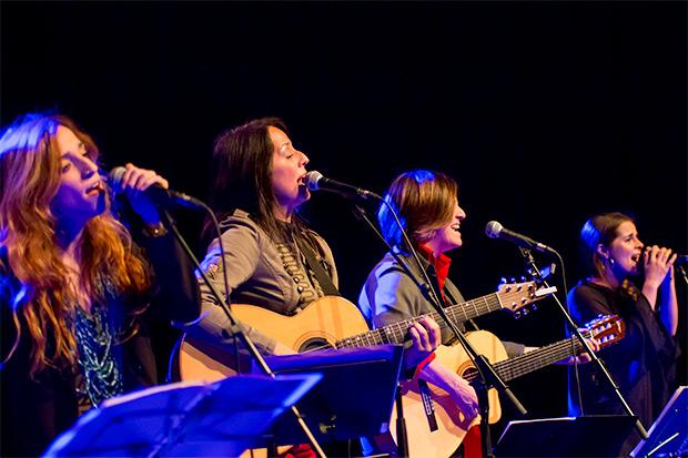 Les Kol·Lontai. De izquierda a derecha: Ivette Nadal, Montse Castellà, Sílvia Comes y Meritxell Gené. © Xavier Pintanel