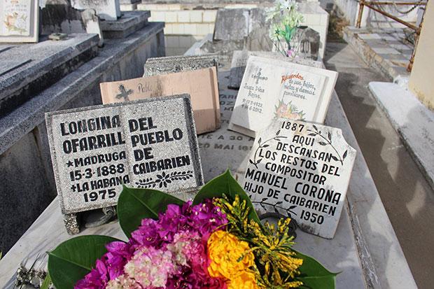 Tumba de Manuel Corona y Longina O'Farril.