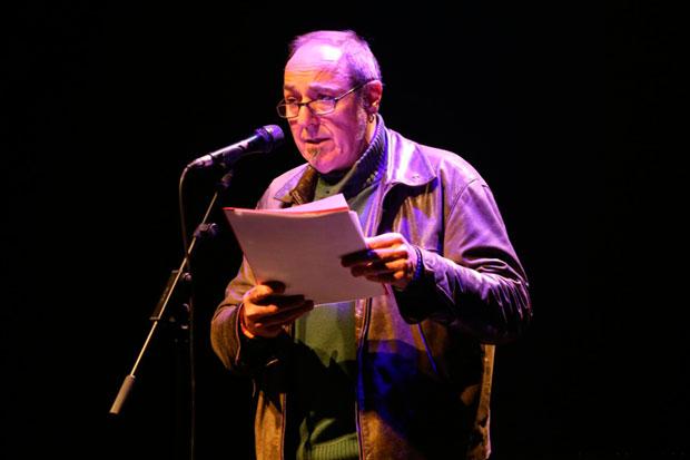 Pere Camps leyendo la carta de Jordi Cuixart. © Juan Miguel Morales   BarnaSants