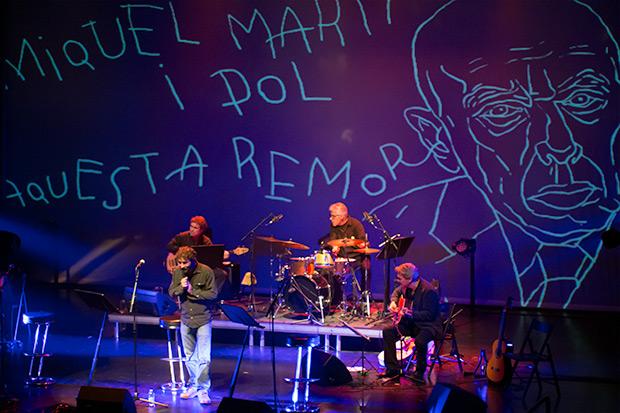 Borja Penalba se dejó escuchar también en Aquesta remor, de Miquel Martí i Pol a quien conoció y con quien trabajó en sus tiempos de director de la banda de Lluís Llach. © Xavier Pintanel