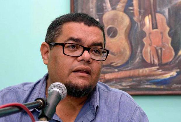 Eduardo Sosa en la presentación de la edición 56 del Festival de la Trova Pepe Sánchez. © ACN