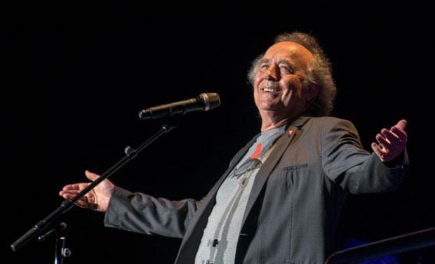 Joan Manuel Serrat ofrece un concierto gratuito en Buenos Aires. © Kaloian Santos Cabrera