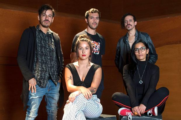 «La carta», musical inspirado en Violeta Parra, reúne a Gepe y Ana Tijoux.