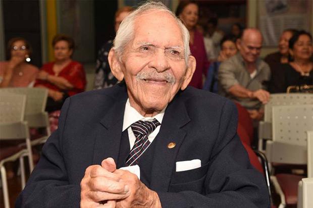 Carlos Rubira Infante.