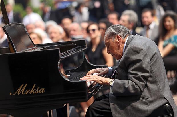 Vicente Bianchi.