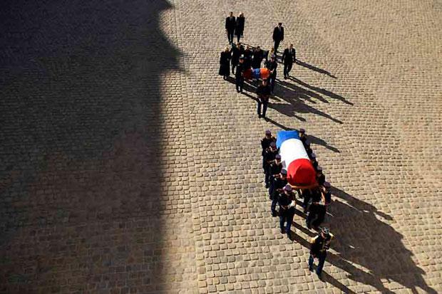 Francia despide a Charles Aznavour en una ceremonia íntima.
