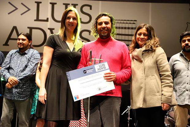 Luis Chávez, ganador en la final de folklore del Concurso de Composición Musical Luis Advis. © Ministerio de las Culturas, las Artes y el Patrimonio