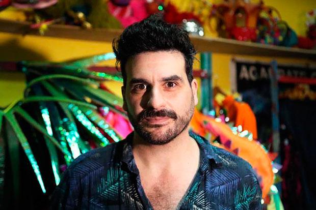 El director responsable de la murga uruguaya «Agarrate Catalina», Yamandú Cardozo, posa durante una entrevista con Efe el pasado lunes, 28 de enero de 2019, en Montevideo (Uruguay). © EFE