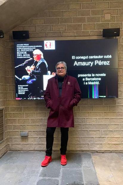 Amaury Pérez en la puerta del Reial Cercle Artístic de Barcelona el pasado 19 de marzo.