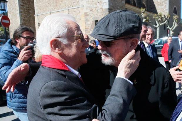 Ángel García Rodríguez, el Padre Ángel, y Silvio Rodríguez.