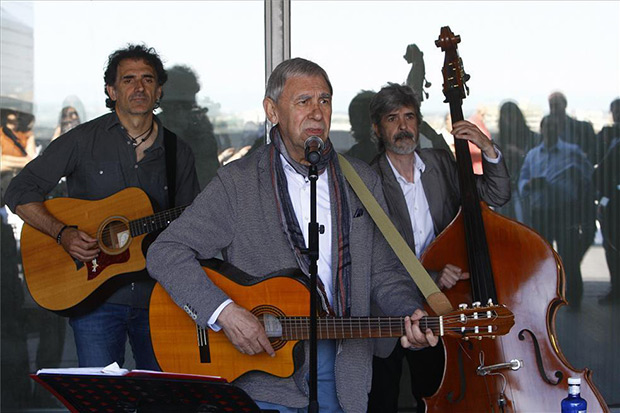 El cantautor aragonés Joaquín Carbonell en la presentación de su gira de 50 aniversario. © EFE|Jaime Galindo