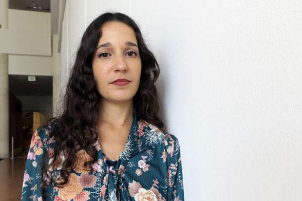La cantante puertorriqueña Ileana Cabra, más conocida como iLe, voz femenina de la pasada agrupación Calle 13, posa este martes durante una entrevista con Efe en San Juan (Puerto Rico). © EFE|Jorge Muñiz