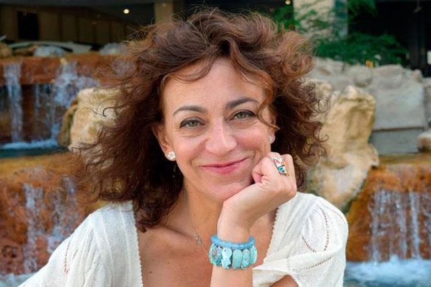 La vocalista, compositora y arreglista española Carmen París posa para Efe el miércoles 16 de octubre durante una entrevista en Miami (EE.UU.). © EFE Jorge Ignacio Pérez