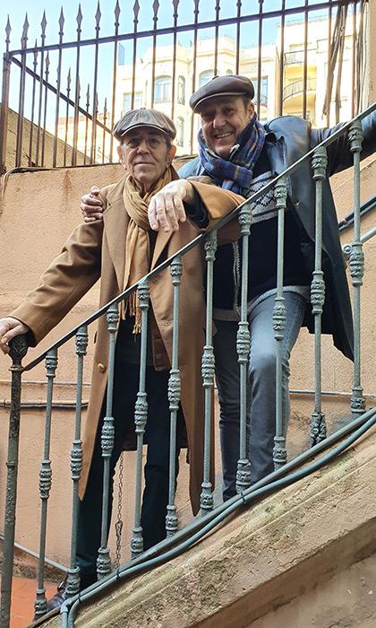Francesc Pi de la Serra y Pere Camps, director del festival BarnaSants, en una fotografía tomada el 8 de enero de 2020, dos días antes del concierto especial que ofrecerá en las Cotxeres de Sants de Barcelona. © Xavier Pintanel
