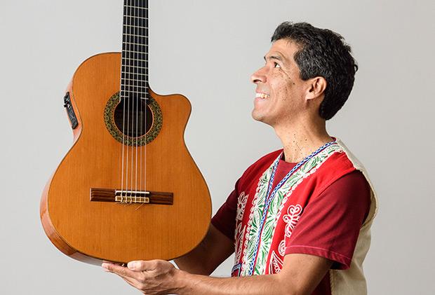Gaddafi Núñez.
