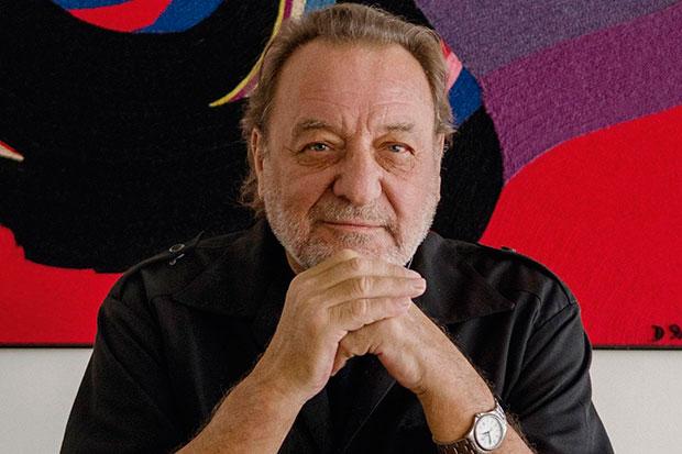 Patricio Manns.