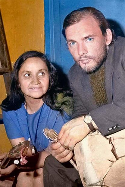 Alberto Zapicán con Violeta Parra.